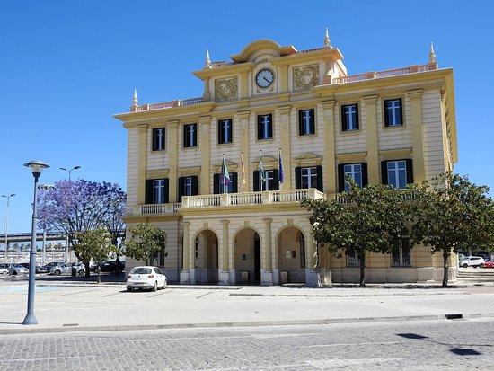 Das Hafenerwaltungsgebäude