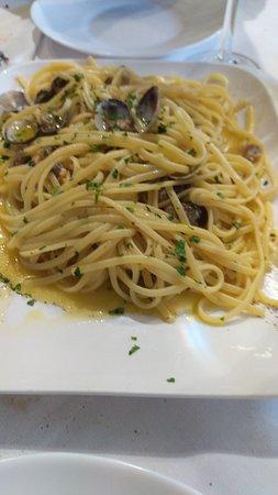 Piattone di spaghetti con le vongole