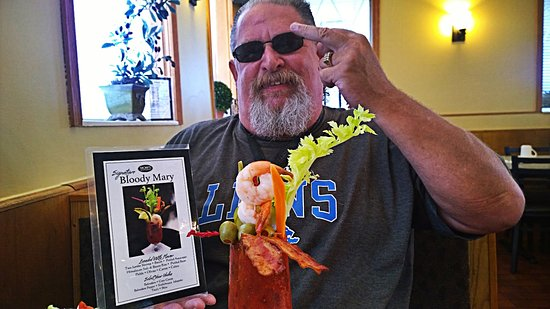 Trenton, MI: Loving me delicious Bloody Mary a must try Wonderful