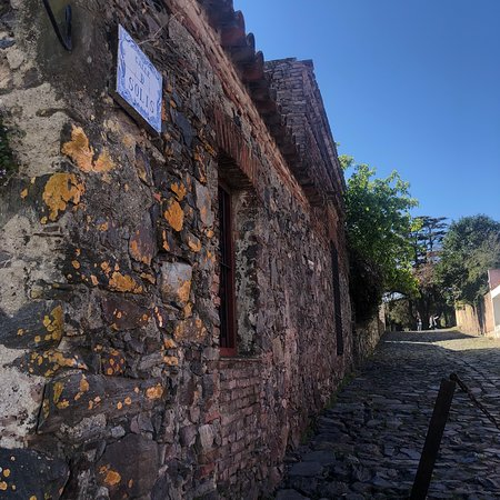 Colonia del Sacramento, Uruguay: A cute and cozy town perfect to getaway for the day from Buenos Aires and only an hour away!