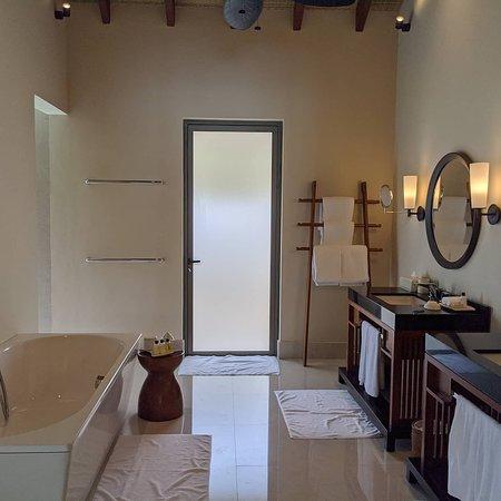 Bathroom of Lagoon Pool Villa