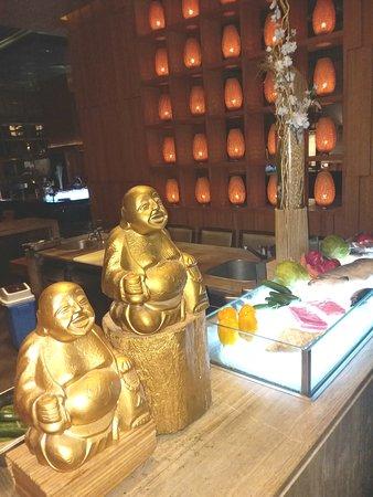 Buddhas on display in Tao.