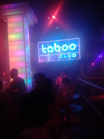 Taboo Crossover Club ภาพถ่าย