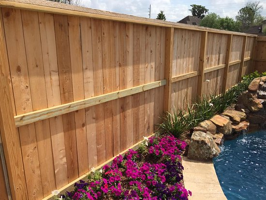 Rosharon, Техас: Custom Design Options  Residential and commercial custom made fences and gates. Our state of the art fabrication plant will custom design and build your ranch style fence, ornamental fence or privacy fence to fit your needs. https://gradeafence.com/fence-installation-quote/