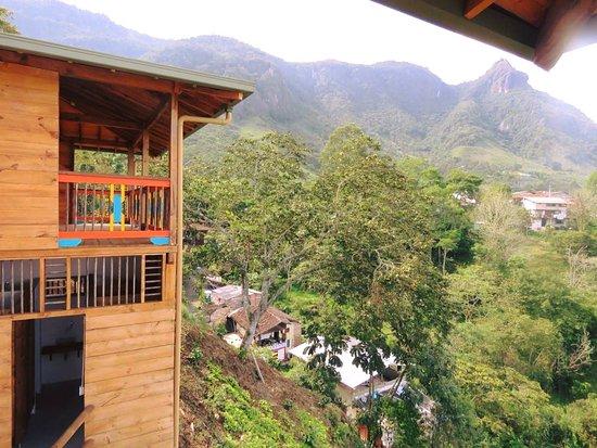 Tamesis, Kolumbien: Vista del Cerro Cristo Rey, desde Jaibana Spa