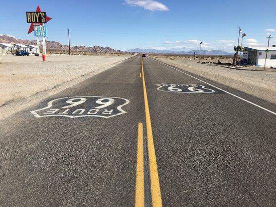 Amboy, CA: Route 66