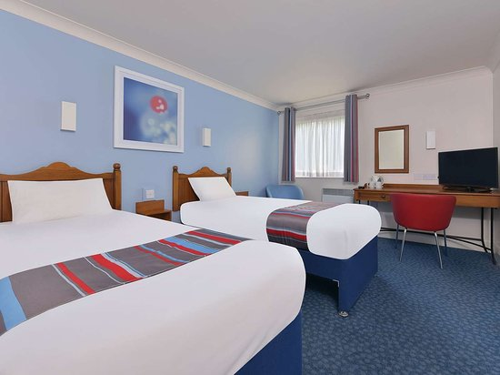 GB Oldham Chadderton twin room x
