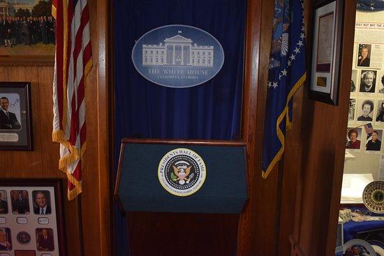 Clermont, FL: White House Briefing podium