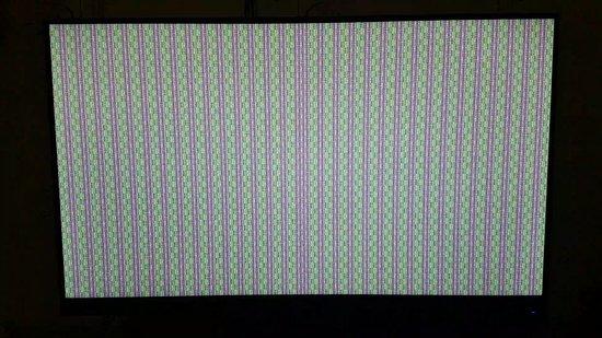 Kavalerovo, روسيا: Пользовался видео картой ATI Radeon HD 4870 X2 и было нормально, после смены на PowerColor AMD Radeon RX 590 Red Dragon [AXRX 590 8GBD5-DHD] при запуске виндоус такой экран, не знаю что делать, что это может быть?
