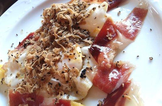 De los platos especiales que tenemos con ese conjunto de productos que nuestro chef, sabe dar el toque perfecto  ¿No te apetece algo así ? Ven a disfrutarlo ! .  #Ronda #Restaurante #comida #carne #carnes #sevillagram #badajoz