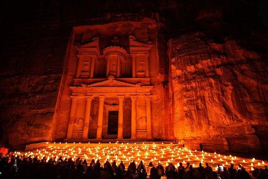 Excursión de 3 días a Petra By Night...