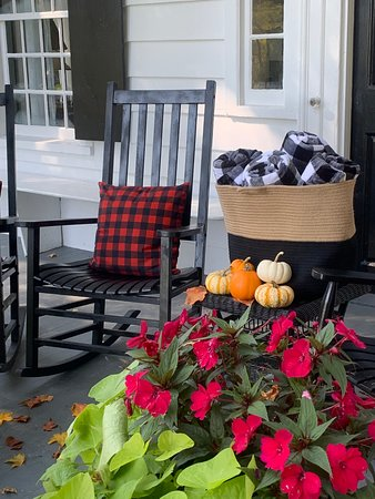 Sit back and relax on our large open front porch which overlooks the authentic red covered Henry Bridge.