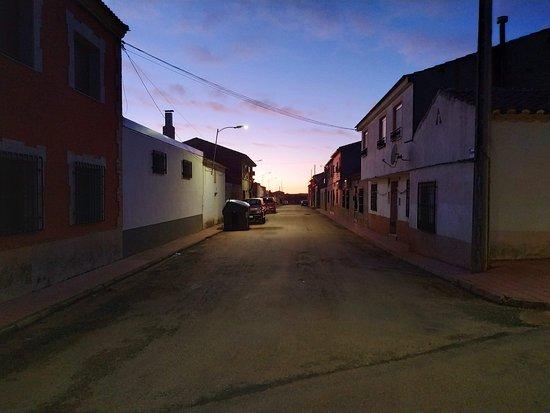 Montiel, España: Patear el pueblo al amanecer o al anochecer: maravilloso.