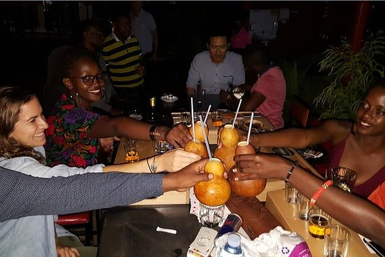 Kampala Bar Crawl, bierproeven en ...