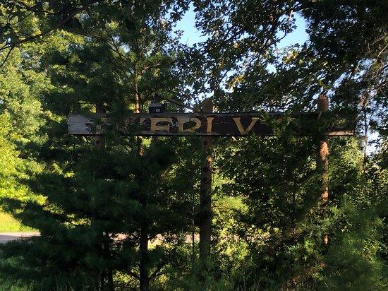 Dunmor, KY: sign survives