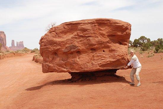 Monument Valley, UT: Souvenirs Voyage Californie --- Encore un petit effort !!!
