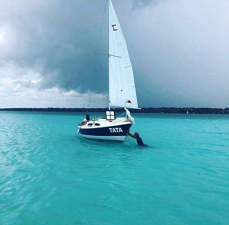 Sailing Maya Adventours