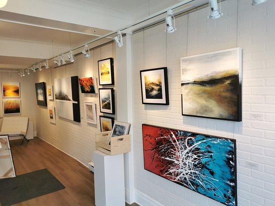Artsversus Art Gallery