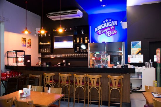 Lagoa Da Prata: American Burger - ambiente interno