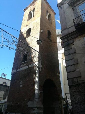 Basilica di Santa Maria Maggiore alla Pietrasanta, Piazzetta Pietrasanta, 17-19, Неаполь, январь.