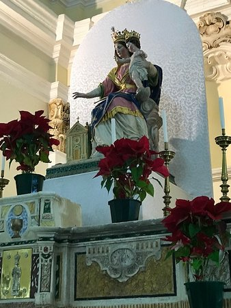 Statua della Madonna