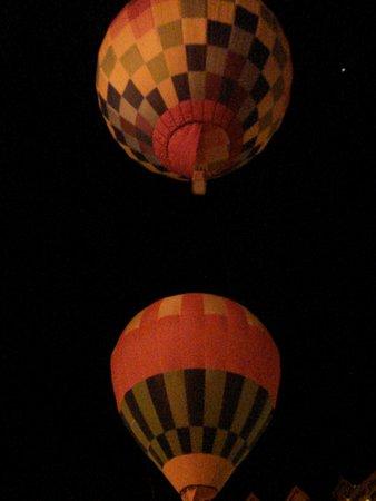 Dobbiaco, Itálie: La notte delle mongolfiere