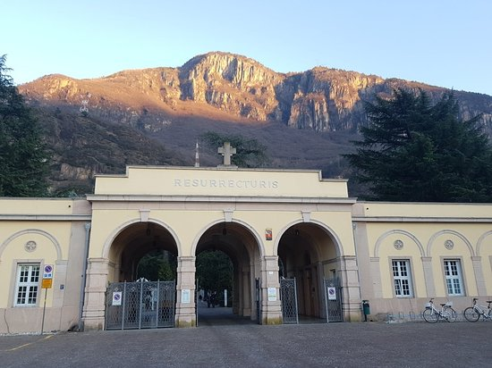 Cimitero comunale di Oltrisarco