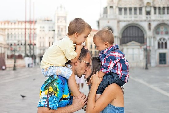 帶有提拉米甦的兒童和家庭的威尼斯城市導覽