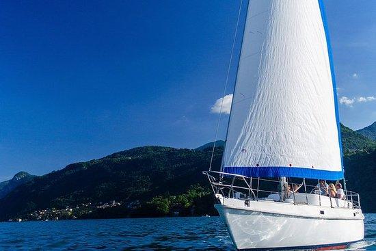 Solnedgang sejler ved Comosøen med...