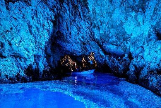 6つの島と、フヴァル島、青の洞窟を巡る少人数のグループツアー、ランチとワインテイ…