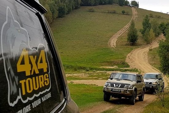 4x4 Nature Tour in Land of Dracula...