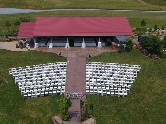 The Pavilion at Black Water Junction is a wedding venue near Smith Mountain Lake, Union Hall Virginia.  It is absolutely spectacular with its farm setting, ponds, mountains, pastures and landscaping.
