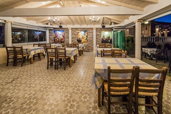 Paralia Skotinis, Greece: tavern -restaurant