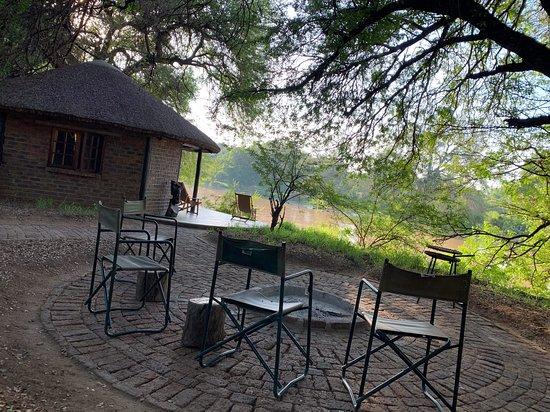 Baines Drift, Botswana: Braai area at the rondavel