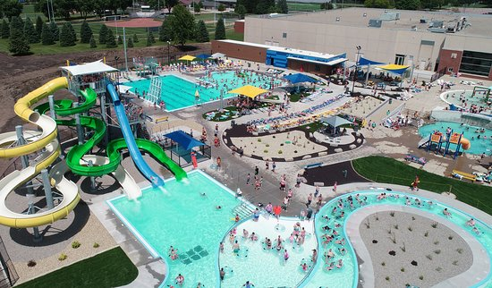 Sioux Center, IA: Overview of Siouxnami Waterpark