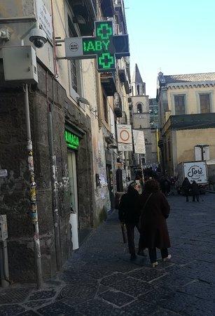 Via dei Tribunali, Неаполь, январь.