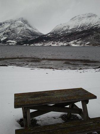 Коммуна Ванг, Норвегия: вид нагары и озеро  выход из сауны
