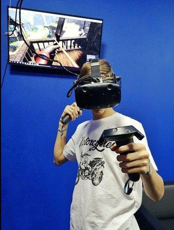 Клуб виртуальной реальности в Сочи предлагает гостям побывать в виртуальном пространстве и отдохнуть от рутины будничных дней. Специальное оборудование создает эффект полного погружения. Игры любых жанров на любой возраст - от путешествий по сказочным мирам, изучения планеты и вселенной до квестов с прохождением головоломок, стрелялок, страшилок и приключений. Мы подарим Вам море эмоций!