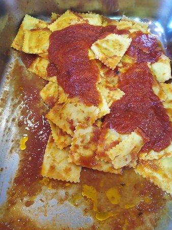 Tortelli ricotta e spinaci al pomodoro