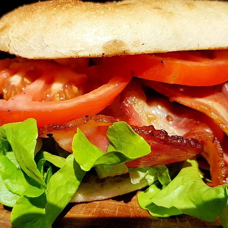 The delicious BLT with aioli.