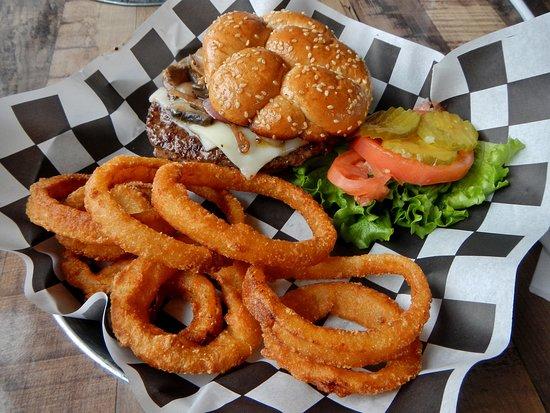 Dove Creek, CO: Snow-Cap Burger