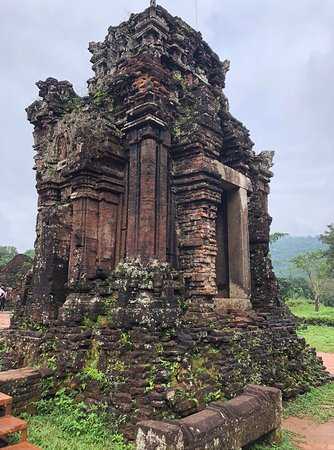 Duy Xuyên Huyện, Việt Nam: One of the amazing temples in My Son Sanctuary