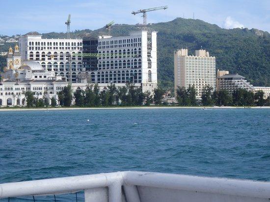Imperial Palace · Saipan: 海から見るガラパン