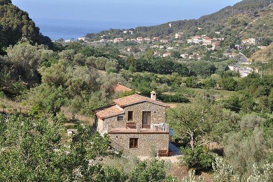 Feriehus i Cilento med en flott panoramisk beliggenhet ved sjøen