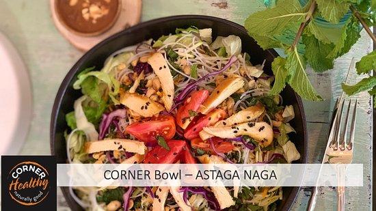 Notre Corner BOWL ASTAGA NAGA avec du vermicelle de riz, du poulet mariné et de la sauce Cacahuètes