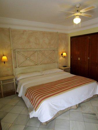 Habitación como cama grande. Tiene 2 metros de ancho.