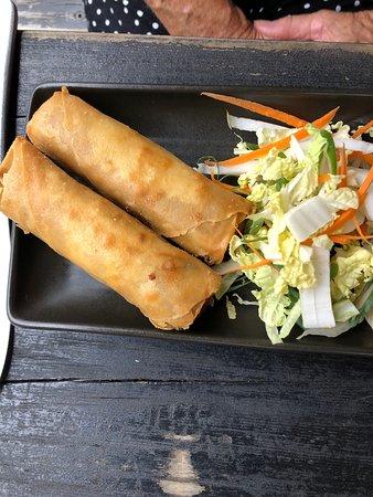 Cooran, أستراليا: pork spring rolls