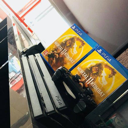 PS4PRO on 4K TVs and Mortal Kombat 11 PS4 game