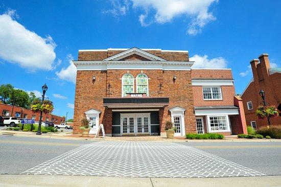 Exterior of the historic Wayne Theatre in downtown Waynesboro, Virginia
