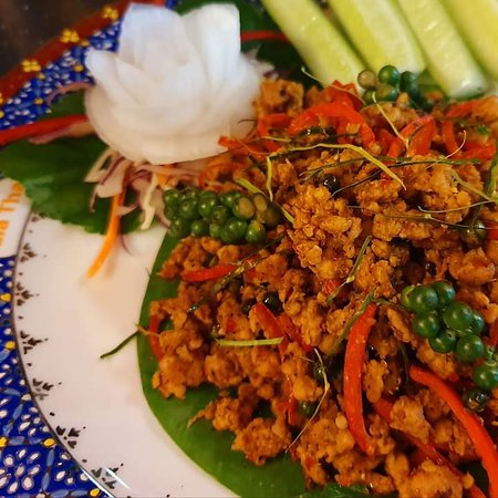 Spicy dry Curry with minced pork